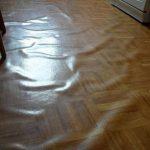 Каким клеем клеить линолеум к полу, как нужно клеить