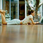 Как правильно сделать стяжку пола в квартире своими руками: инструкция с видео