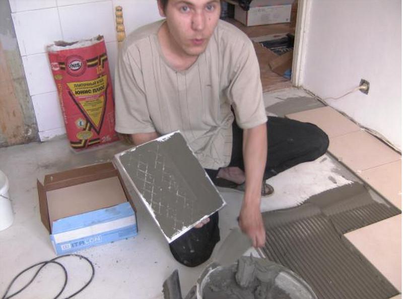 правильно класть плитку на пол в ванной