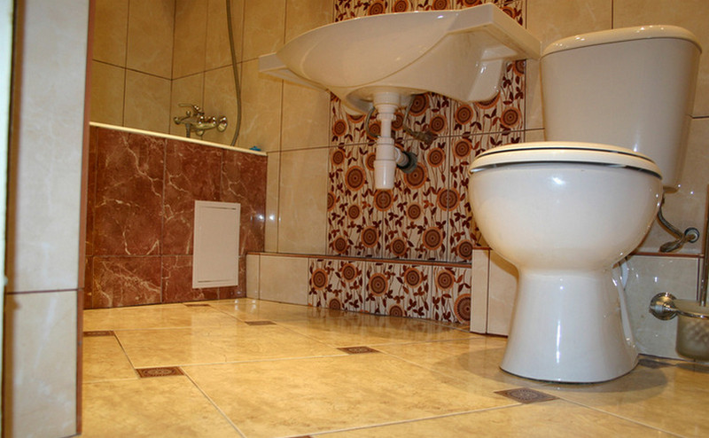 Укладка напольной плитки в ванной