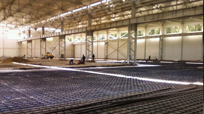 Промышленный бетонный пол в цеху