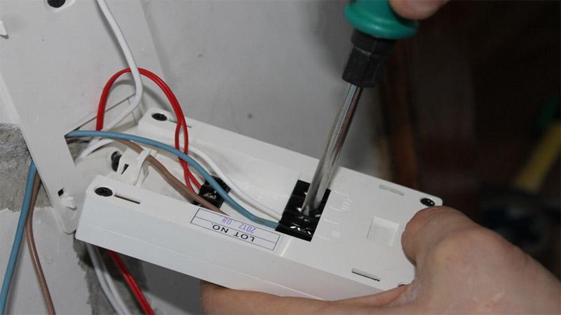 Изучите инструкцию к терморегулятору для теплого пола