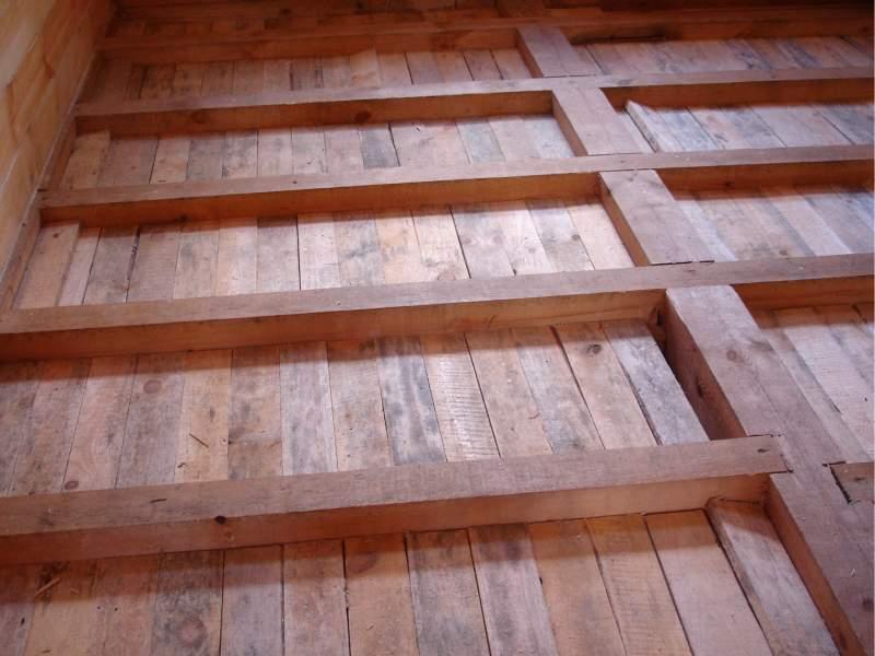 Делаем пол в деревянном доме своими руками