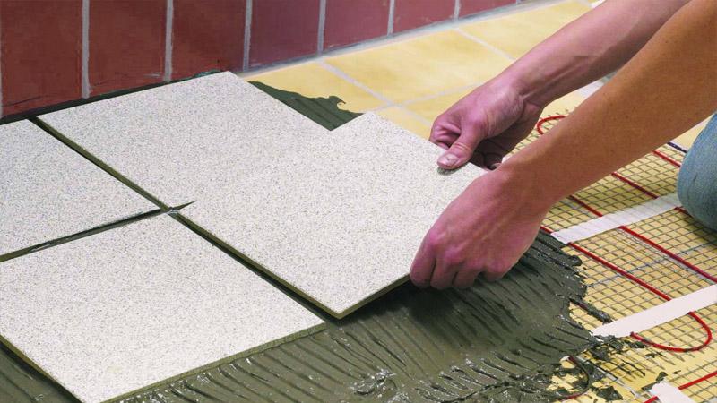 Раскладка напольной плитки традиционным способом