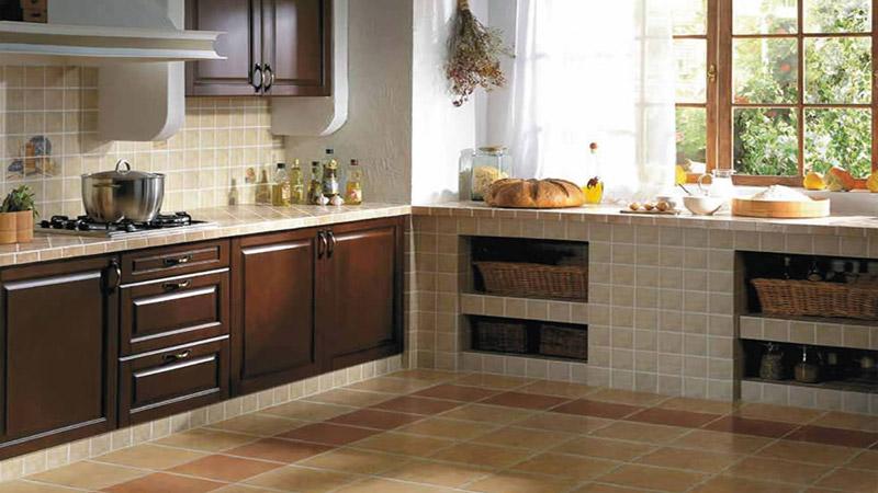 Традиционный способ укладки плитки на кухне