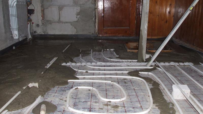 устройство водяного теплого пола в частном доме - заливка