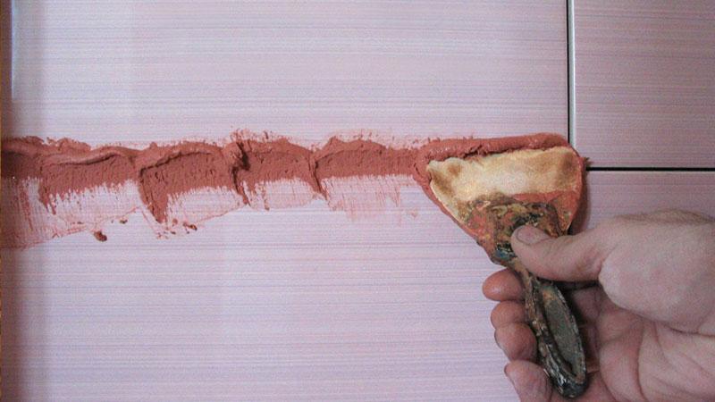 Затирка швов между плиткой и ламинатом