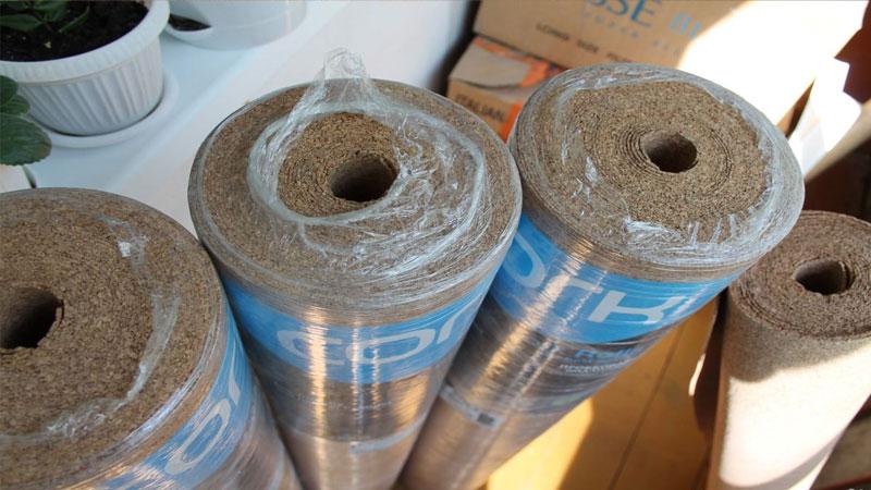Большинство пробковой подложки под ламинат продается в рулонах